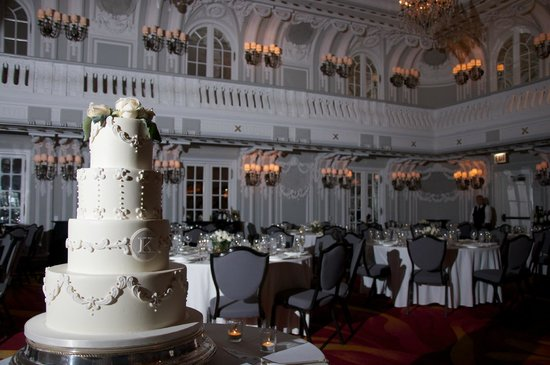 The Blackstone Autograph Collection Ballroom And Cake By Sweet Food Chicago