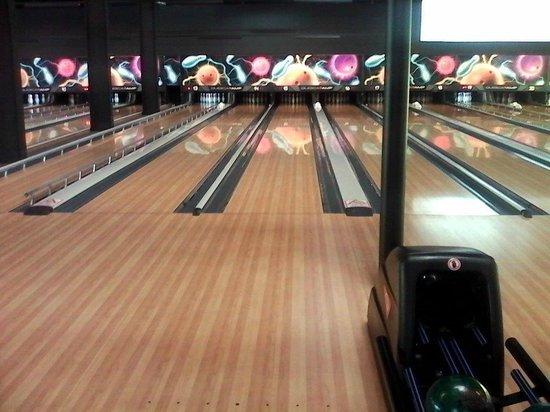 la piste ne glisse pas de trop photo de bowling world arras arras tripadvisor. Black Bedroom Furniture Sets. Home Design Ideas