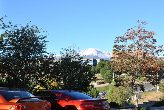 Pikes Peak Parking >> Hyatt House Colorado Springs View Of Pikes Peak Picture