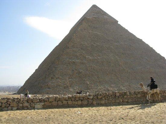 Khafre, the second pyramid: Pirámide de Kefren. Vista