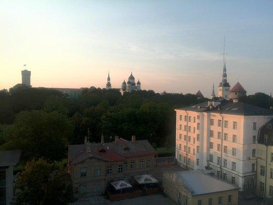 Romeo Family Apartments: А из нашего окна