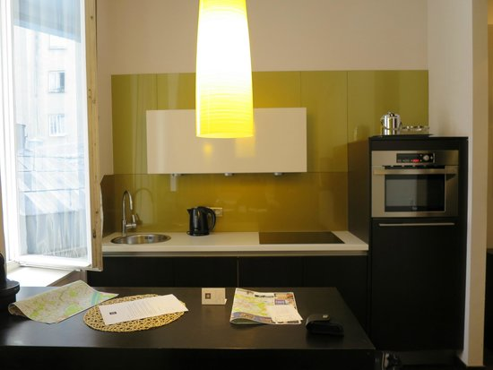 MyPlace Premium Apartments - City Centre: Kitchen