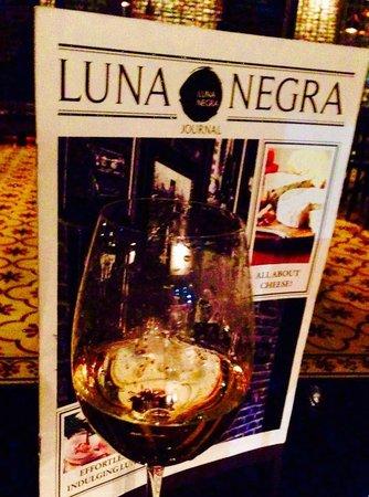 Luna Negra : Awesome