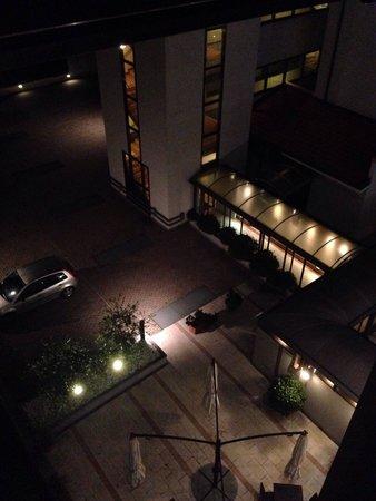 Gardenia: Vista di notte dal quarto piano