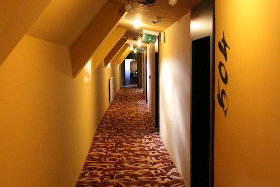 Perla Hotel : Hotel hallway