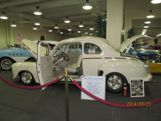 Don Laughlin's Riverside Resort : Car exhibit