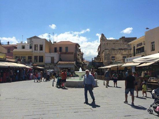 Arkadi Hotel: Old Port square, 5 minute walk from the Hotel Arkadi