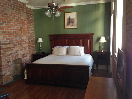 Grenoble House: King Bed on 2nd Floor