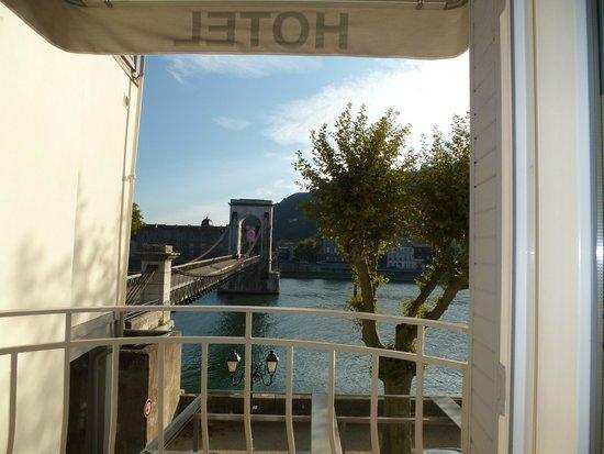 Hotel Les 2 Coteaux : Cible : la passerelle
