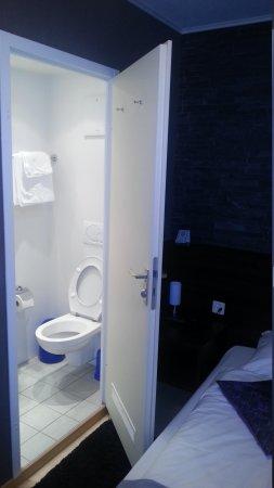 Hotel Station Zug: Bathroom
