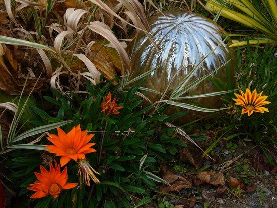 Rockmere Lodge: Beautiful Gardens