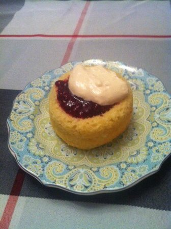 Harbourview Bed & Breakfast: Gluten free raspberry cream maryann.