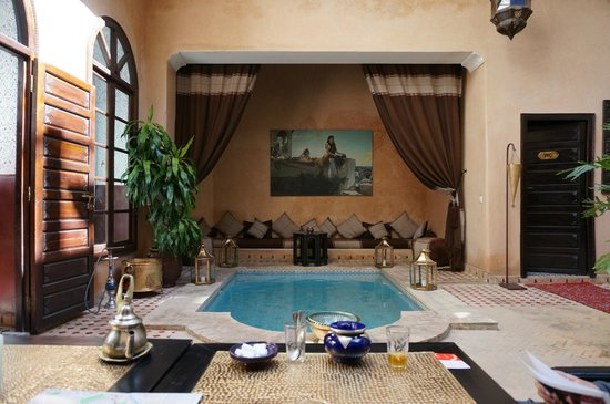 Riad Djemanna : Courtyard pool
