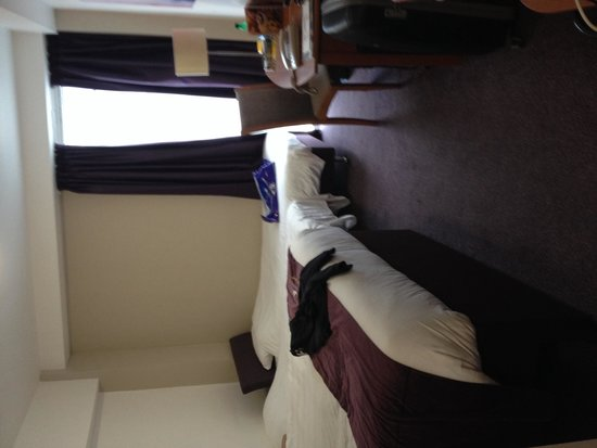 Premier Inn London Kensington (Earl's Court) Hotel: Habitación