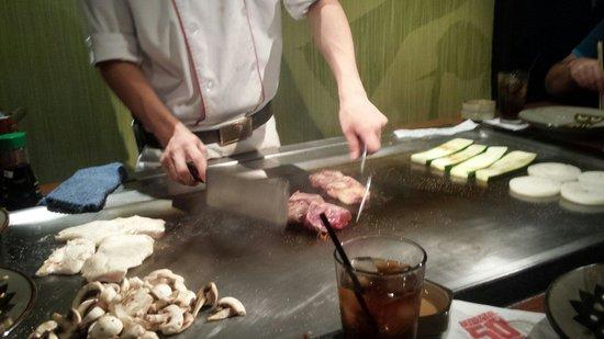 Benihana: Teppanyaki chef preparing food