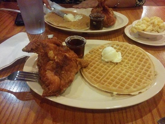 Roscoe's House of Chicken & Waffles : Scrumptious!