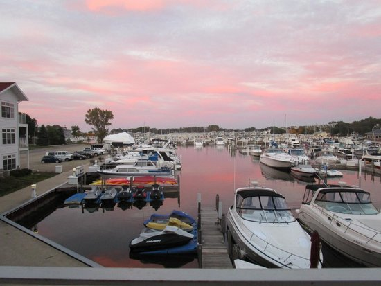 Marina Grand Resort : View from room 241 at sunset
