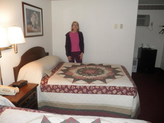 Amish Country Motel: Amish quilts