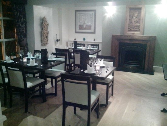 Thai Cassia Bar & Restaurant: Ask for the quiet dining area at the front of the restaurant.