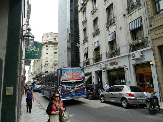 Hotel Boutique Reino Del Plata: Otelin bulunduğu sokak