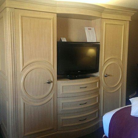 LivINN Hotel Cincinnati North / Sharonville: Zimmer mit TV