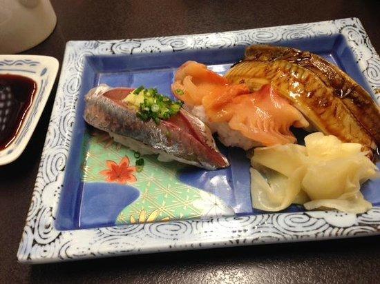 Edokkozushi : Some tasty bits of sushi