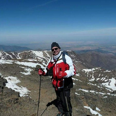 Mount Toubkal : Starting decent just a short walk from the top.