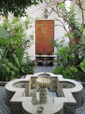 Riad Lune et Soleil: Courtyard