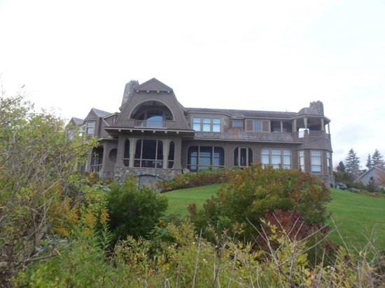 Prouts Neck, ME: just one of the houses on Prout's Neck Cliff Walk