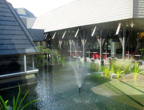 Chateau on the Park - Christchurch, a DoubleTree by Hilton: The garden