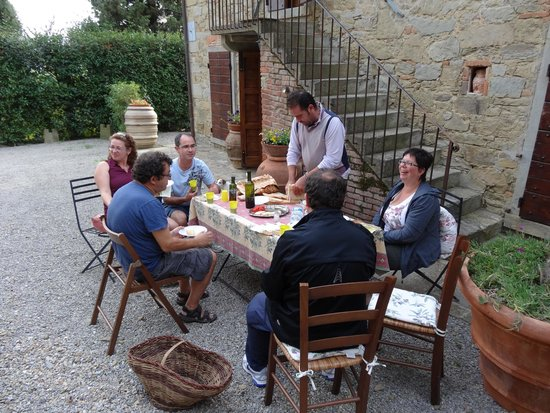 Borgo Dolci Colline: Dégustation huile olive maison
