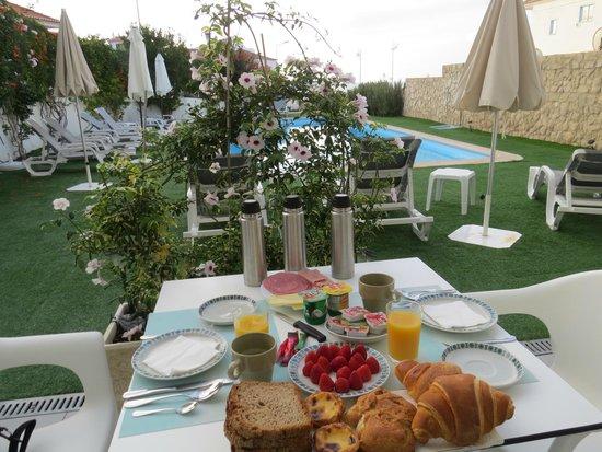 Casa PraiaMar : Delicious breakfast
