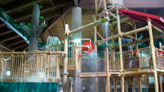 Holiday Inn Express Hotel & Suites Brainerd-Baxter: waterpark kiddy slide area