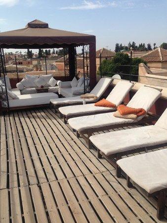 Riad El Zohar: Top deck with loungers