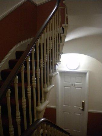 Kingsway Park Hotel: escaleres super empinadas del hotel