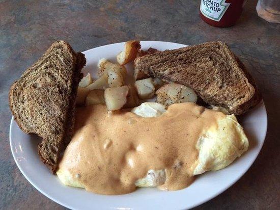 Big Wave Cafe : Seafood Omelet