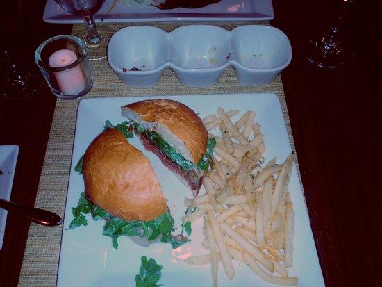 Bad Apples Bistro: Bistro Burger