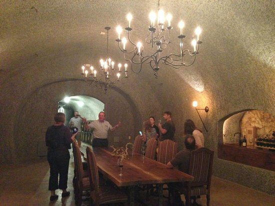 Dutch Henry Winery: In the cave...