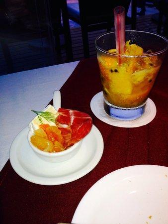 Mistico Sunset Lounge & Restaurant : Entrada e caipirinha