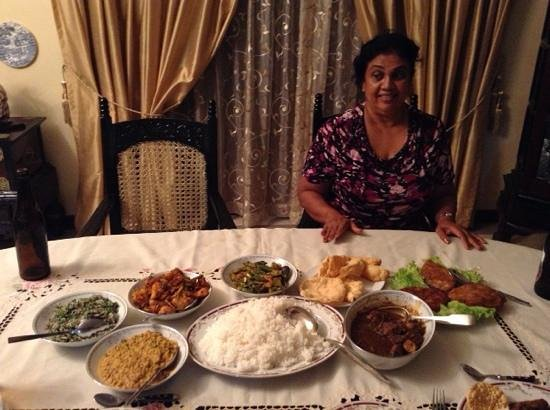 Delma Bungalow: dinner is served!