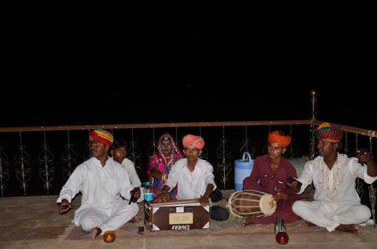 Damodra Desert Camp : Talented Musicians