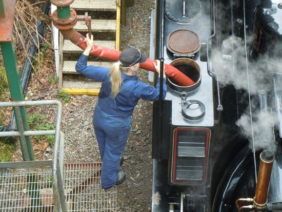 West Coast Wilderness Railway: Topping up the water