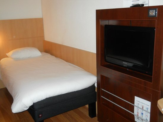 Ibis Brussels Centre Gare Midi: Twin Bed