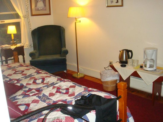 Frog's Leap Inn: Day bed and sitting room