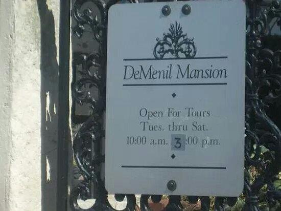 Chatillon-DeMenil Mansion: DeMenil mansion