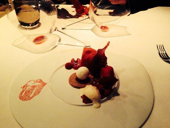 Nuance: Rolling stones dessert!!