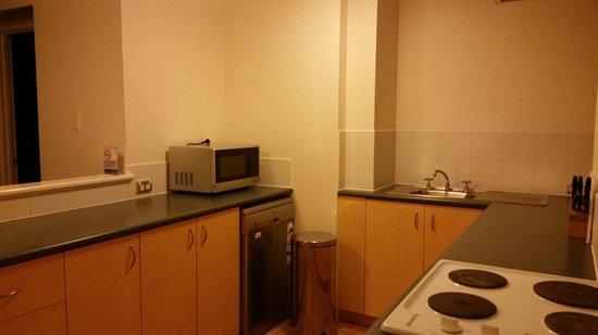 Assured Waterside Apartments : Kitchen