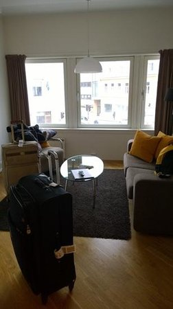 City Living Hotel & Apartments : sala