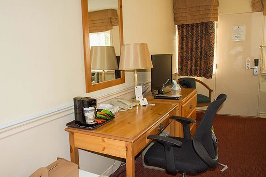 Country Squire Resort & Spa: Desk