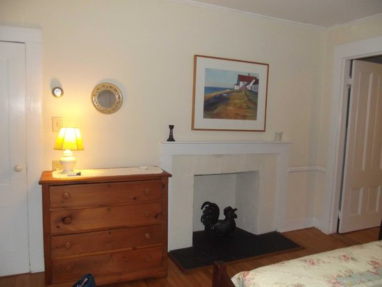 Cornwall Orchards Bed and Breakfast: My room